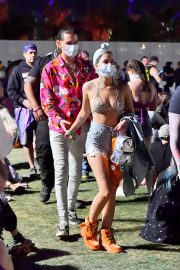 G-Easy and Halsey Stills in Bikini Top at 2018 Coachella Valley Music and Arts Festival 2018/04/15 7