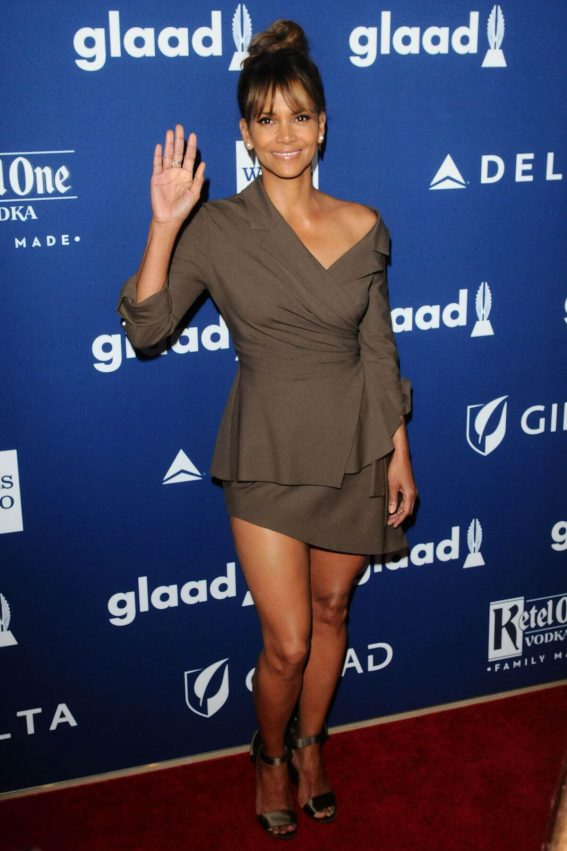 Halle Berry Stills at Glaad Media Awards 2018 in Beverly Hills 2018/04/18 2