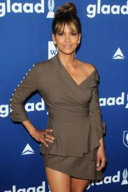 Halle Berry Stills at Glaad Media Awards 2018 in Beverly Hills 2018/04/18 9