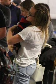 Hilary Duff with Her Dog Stills at LAX Airport in Los Angeles 2018/04/12 8