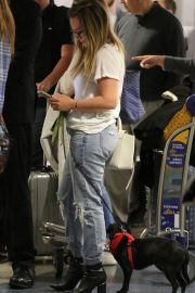 Hilary Duff with Her Dog Stills at LAX Airport in Los Angeles 2018/04/12 10