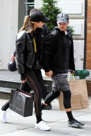 Josephine Skriver and Alexander Deleon Stills Out Shopping in New York 2018/04/06 2