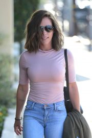 Kendra Wilkinson with New Brunette Hairdo Stills Out in West Hollywood 2018/04/26 1