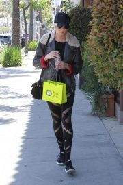Kimberly Stewart Stills Out Shopping in Beverly Hills 2018/04/21 5