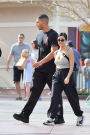 Kourtney Kardashian Stills at Disneyland in Anaheim 2018/04/21 8