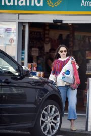 Lacey Turner Stills Out Shopping at Poundland in London 2018/04/26 5