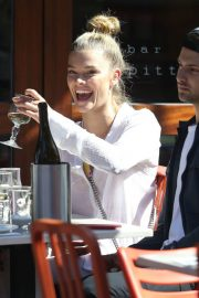 Nina Agdal Stills Out for Lunch in New York 2018/04/26 8
