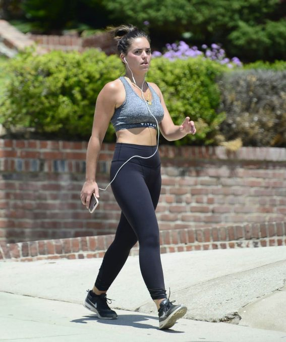 Olympia Valance Stills Out Hiking in Los Angeles 2018/04/24 10