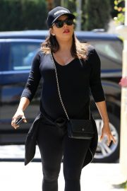 Pregnant Eva Longoria Stills Out for Lunch in Beverly Hills 2018/04/24 3