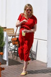 Pregnant Kirsten Dunst Stills Out for Lunch in Burbank 2018/04/24 3