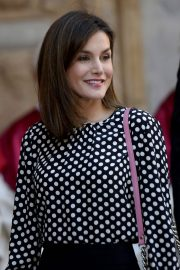 Queen Letizia of Spain Stills at Traditional Easter Mass in Cathedral of Santa Maria of Palma in Mallorca 2018/04/01 13