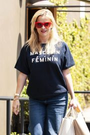 Reese Witherspoon Stills Leaves R+D Restaurant in Santa Monica 2018/04/23 7