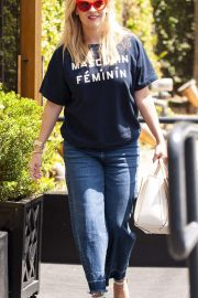 Reese Witherspoon Stills Leaves R+D Restaurant in Santa Monica 2018/04/23 8
