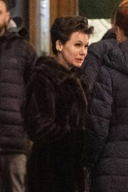 Renee Zellweger Stills on the Set of New Judy Garland Biopic in London 2018/04/22 7