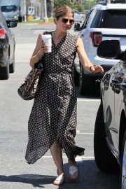 Selma Blair Stills Out for Coffee in Los Angeles 2018/04/23 7