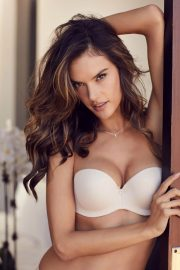 Alessandra Ambrosio Poses for Lascana's Spring/Summer 2018 Collection Photos 8