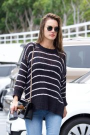 Alessandra Ambrosio Stills Heading to a Sports Medical Appointment in Los Angeles 2018/05/23 2