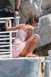 Alessandra Ambrosio Stills on the Set of a Photoshoot at Eden Roc Hotel in Antibes 2018/05/18 9