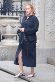 Amy Schumer Stills Out and About in New York 2018/05/23 2