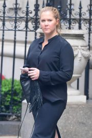Amy Schumer Stills Out and About in New York 2018/05/23 5