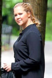 Amy Schumer Stills Out and About in New York 2018/05/23 7