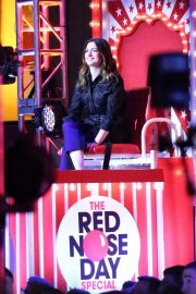 Anne Hathaway at Red Nose Event in New York 2018/05/24 9