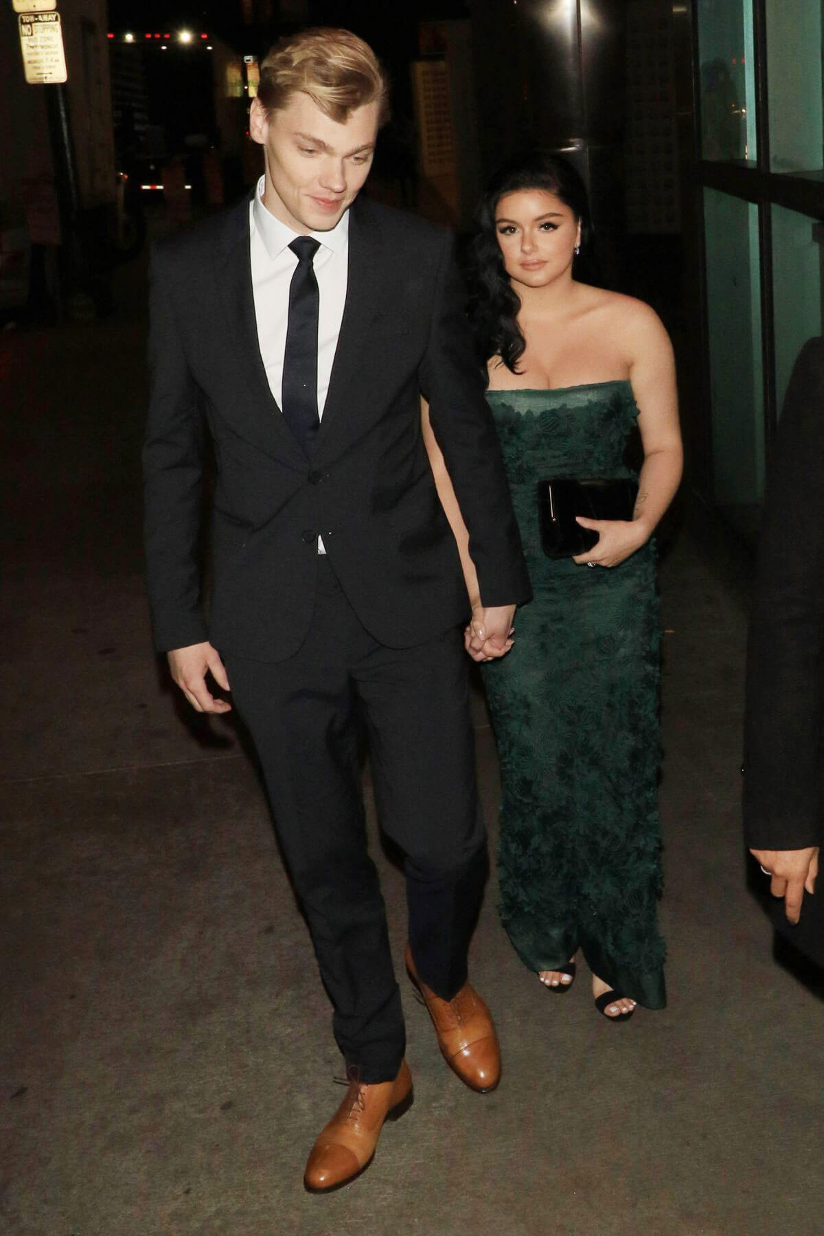Ariel Winter and Levi Meaden Stills at Arclight Theatre in Hollywood 2018/05/01 7