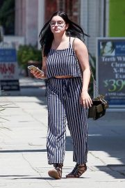 Ariel Winter Stills Out and About in Los Angeles 2018/05/17 5