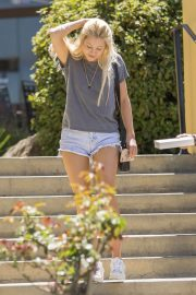 Ava Sambora Stills Out and About in Calabasas 2018/05/10 1