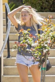 Ava Sambora Stills Out and About in Calabasas 2018/05/10 3