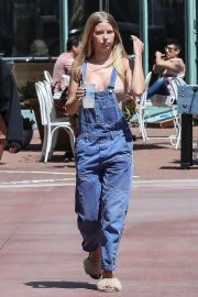 Baskin Champion and Abby Champion Stills Out for Lunch in Brentwood 2018/04/25 19