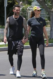 Behati Prinsloo and Adam Levine Out and About in Los Angeles 2018/05/27 1