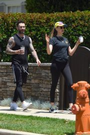 Behati Prinsloo and Adam Levine Out and About in Los Angeles 2018/05/27 4