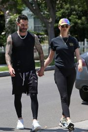 Behati Prinsloo and Adam Levine Out and About in Los Angeles 2018/05/27 6
