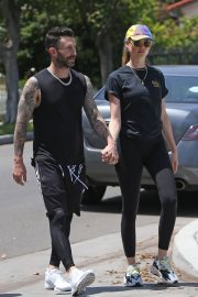 Behati Prinsloo and Adam Levine Out and About in Los Angeles 2018/05/27 8