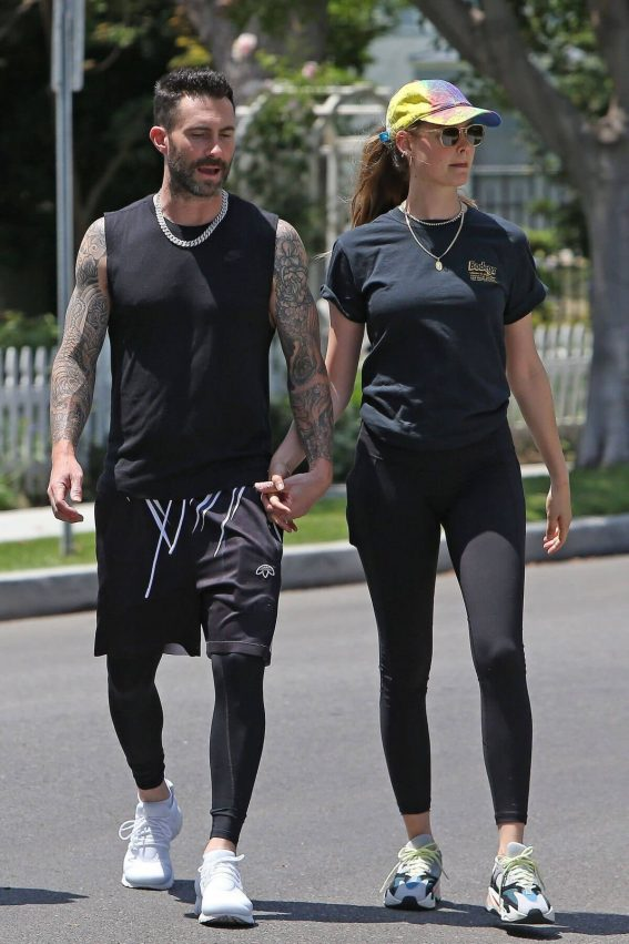 Behati Prinsloo and Adam Levine Out and About in Los Angeles 2018/05/27 12