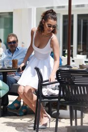 Bella Hadid Stills Out for Lunch at Hotel Martinez in Cannes 2018/05/10 9