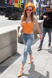 Bella Thorne at Times Square in New York 2018/05/25 13