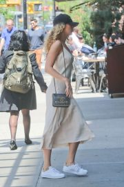 Blake Lively Stills Out in New York 2018/05/08 12