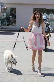 Blanca Blanco Stills Out with Her Dog in Malibu 2018/05/09 1