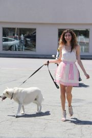 Blanca Blanco Stills Out with Her Dog in Malibu 2018/05/09 10