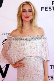 Caitlin Fitzgerald Stills at Sweetbitter Premiere at Tribeca Film Festival 2018/04/26 9