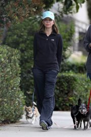 Calista Flockhart Stills Out with Her Dogs in Santa Monica 2018/04/30 3