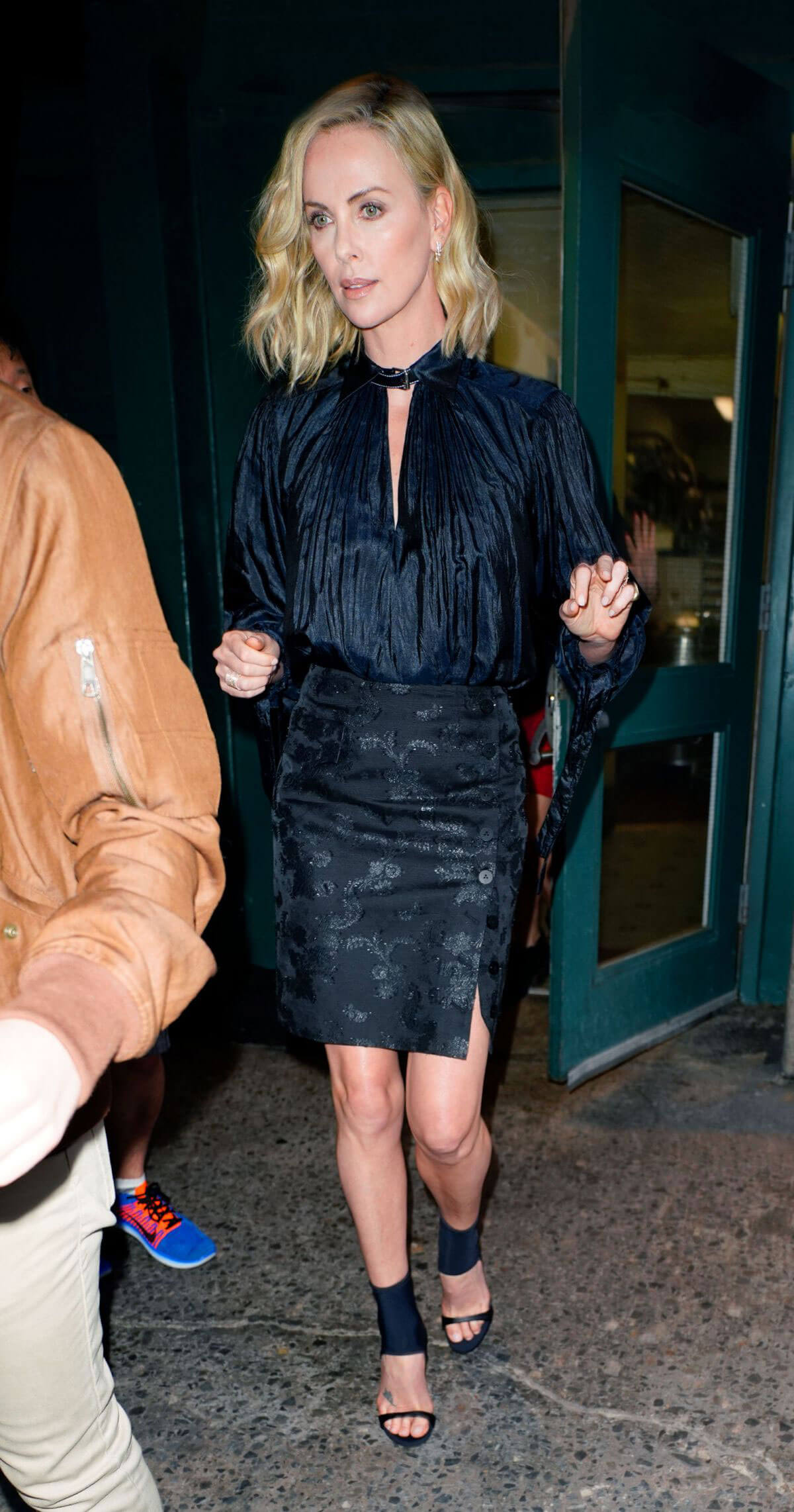 Charlize Theron Stills Out and About in New York 2018/05/02 12