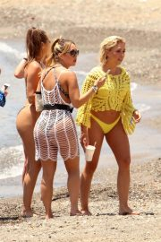 Chloe Goodman and Lauryn Goodman, Gabby Allen and Tyne-Lexy Clarson at a Beach in Marbella 2018/05/26 10