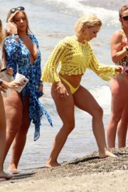 Chloe Goodman and Lauryn Goodman, Gabby Allen and Tyne-Lexy Clarson at a Beach in Marbella 2018/05/26 18