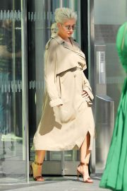 Christina Aguilera Stills Out and About in New York 2018/05/01 9