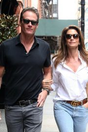 Cindy Crawford and Rande Gerber Stills Out in New York 2018/05/05 4