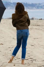 Cindy Crawford wears Black Dress on the Set of a Photoshoot at a Beach in Malibu 2018/05/24 10