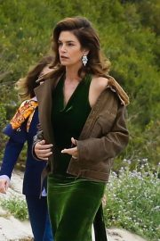 Cindy Crawford wears Black Dress on the Set of a Photoshoot at a Beach in Malibu 2018/05/24 18